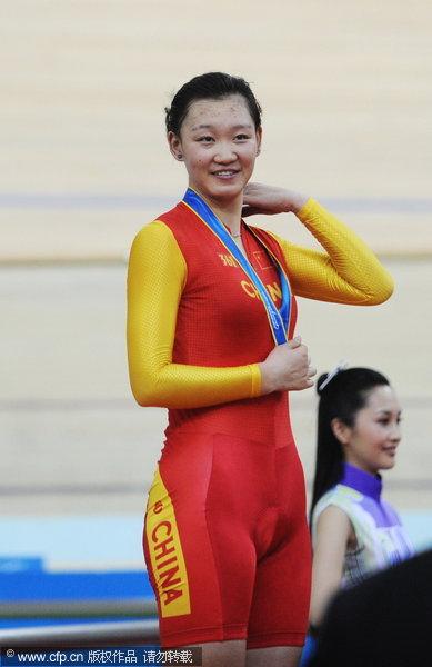 新浪体育讯 北京时间11月14日,亚运会场地自行车女子追逐赛:中国