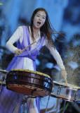 韩国美女擂鼓