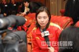 吴敏霞被记者包围