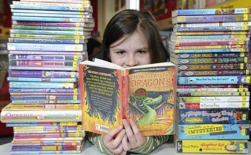 小女孩和书